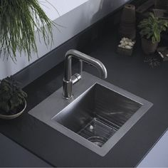 Small sink faucet kitchen island with sink design ideas affordable sinks fa Kitchen Sink Decor, Corner Sink Kitchen, Kitchen Sink Taps, Kitchen Island With Sink, Sink In Island, Kitchen Small, Kitchen Utensils, Kitchen Ideas, Small Stainless Steel Sink