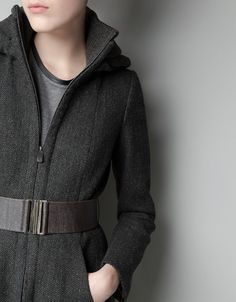HOODED COAT WITH WRAP-AROUND COLLAR