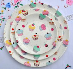 New China 3 Tier Cake Stand decorated with cupcakes