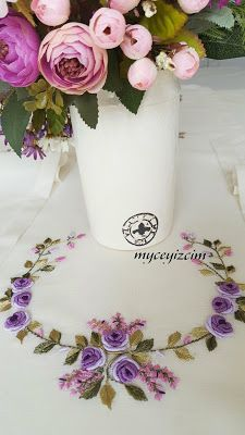 myçeyizcim Hand Embroidery Flowers, Embroidery Patterns, Bargello, Glass Vase, Sewing, Creative, Painting, Colors, Embroidered Blouse