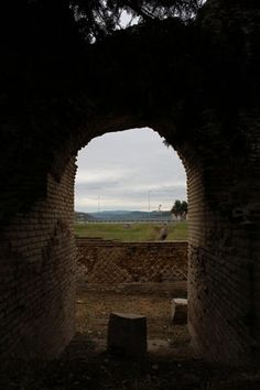 The Romans in Molise. Come with us on a journey to discover a lesser-known Roman ampitheatre in Larino, Molise.