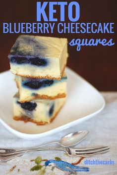 Oh my word. You have seriously got to try these uber easy keto blueberry cheesecake squares. All made with a stick blender and incredibly low in carbs. Read why they are best served upside down…More 15 Mouth Watering Keto Friendly Dessert Recipes Keto Cheesecake, Cheesecake Squares, Blueberry Cheesecake, Keto Blueberry Muffins, Cheesecake Cookies, Desserts Keto, Keto Snacks, Dessert Recipes, Dessert Ideas