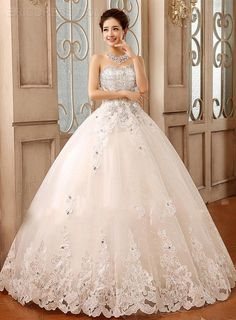Gorgeous Ball Gown Sweetheart Lace Appliques Beading Wedding Dress 2