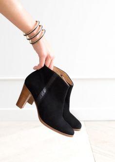 SéZANE Bottines & low boots à talons http://www.videdressing.com/bottines-low-boots-a-talons/sezane/p-4486549.html?&utm_medium=social_network&utm_campaign=FR_femme_chaussures_bottines___low_boots_4486549
