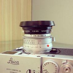 Leica Summicron-M 35mm F2 ASPH - Hammertone / LHSA with Leica 12504 lens hood and Leica M9-P Silver  #Leica #Leitz #Fotopia #Rangefinder #cameraporn #LeicaM9 #LeicaM9P #m9P #Summicron #35mmf2 #LHSA #12504
