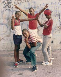 Juxtapoz Magazine - The Illustrious and Vibrant History of Hip Hop at the Oakland Museum of California Hip Hop Graffiti, Jamel Shabazz, Baile Hip Hop, History Of Hip Hop, Photo Fair, Ropa Hip Hop, Sean Combs, New York, Big Photo