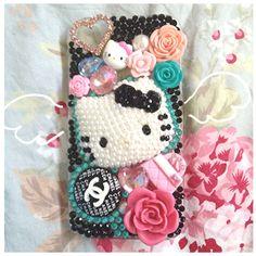 Hello kitty Paris phone case