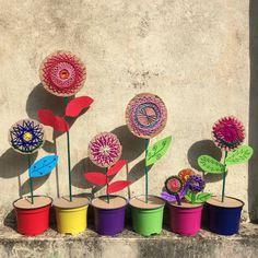 Make a flower friend for an indoor pot plant. Projects For Kids, Diy For Kids, Crafts For Kids, Arts And Crafts, Art Projects, Spring Art, Summer Art, Spring Crafts, Flower Pots