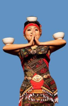 Amazing Indonesian Traditional Dancer. Beautiful Indonesian Girls in Beauty Traditional Dress | Indonesia, SouthEast Asia, Asia