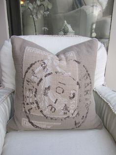 Quatrine decorative pillow