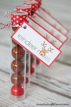 This Reindeer Noses Printable makes a perfect stocking stuffer or classroom party favor!  via createcraftlove.com