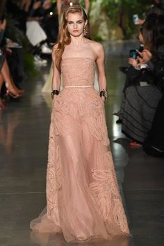 Peach Beaded Gem by Elie Saab Spring 2015 Couture #vestidosdefiesta #altacostura