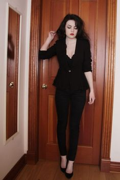 Good casual look for a TR need a touch more jewellery & ornate flats. Alternative Mode, Alternative Fashion, Tokyo Fashion, Dark Fashion, Gothic Fashion, Women's Dresses, Mode Style, Style Me, Goth Outfit