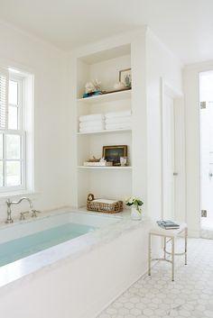 Ideas bathroom tub built in shelves Bathtub Shelf, Built In Bathtub, Built In Bathroom Storage, In Shower Storage, Master Bathtub Ideas, Bedroom With Bathtub, Built In Shower Shelf, Tile Around Bathtub, Master Bathroom Tub