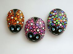 Paint rocks dot art ladybug glow in the dark art pink red rainbow rockartiste Glow Rock, Mandala Painted Rocks, Rock Artists, Garden Gifts, Dot Painting, Spring Garden, Dark Art, Garden Art, Ladybug