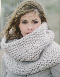 Col van Peru  - Het Kleine Winkeltje - chunky cowl / infinity scarf , knit or crochet