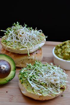 veggie avocado spread: a cream cheese substitute