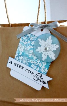 Learn how to make this gorgeous Christmas Card and gift tag this holiday season. Featured on The Paper Mill Store Blog  #handmade #stationery #gifts #kldesignsboutique http://kldesignsboutique.com/blog/?p=2427