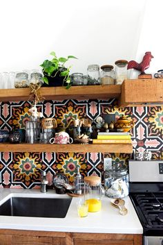 Pad Peek: Magdalena Luszcz's Colorful Chicago Home