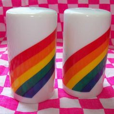 Vintage ceramic salt and pepper shakers! Love these
