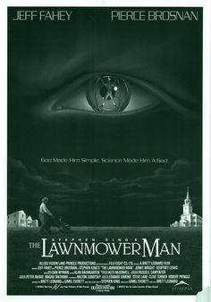 THE LAWNMOWER MAN is een sciencefictionfilm uit 1992. De film ontleent zijn titel aan een verhaal van Stephen King uit 1978, maar is er in werkelijkheid niet op gebaseerd. Inde hoofdrol Pierce Brosnan