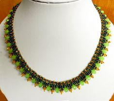 Free pattern for necklace May Click on link to get pattern - http://beadsmagic.com/?p=6011