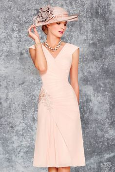 Find More Mother of the Bride Dresses Information about New V Neck Chiffon Appliques Mother Of The Bride Dresses With Jacket 2016 Three Quarter Mother Formal Evening Dress Knee Length,High Quality applique patch,China applique embroidery Suppliers, Cheap dress 4xl from Galaxy Wedding Dress Co., Ltd. on Aliexpress.com
