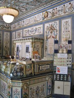 Pfunds Molkerei, dairy shop at Dresden 1880. Hand-painted tiles and enamelled sculptures, handmade by Villeroy & Boch.
