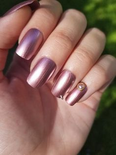 Rose Mauve 'Pierced' Metallic Nails Set of 20 (Choose shape) - press on nails, pierced nails, gold n