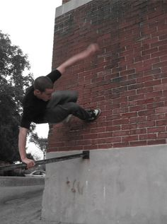 60+ Heart Stopping Elements of Movement: Le Parkour Photography   Design Inspiration. Free Resources & Tutorials