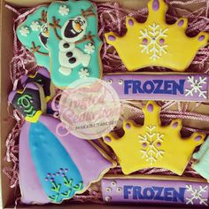 Frozen birthday set. #frostedseductions Inspiration for dress from @cookiesbyhanna
