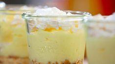 Préparation: 30 mn Réfrigération: 3 h  Ingrédients (pour 4 pers.) 1 citron non traité (zeste) 2 œufs 175g de fromage blanc 130 g de sucre en poudre 4 feuilles de gélatine (8g) 24 petits-beurre (Lu) 1 grosse meringue de boulanger La recette Réhydratez les...