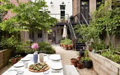 The backyard of Julia Sherman's Brooklyn home has been zoned for entertaining Brooklyn Backyard, Backyard Patio Designs, Backyard Ideas, Garden Ideas, Outdoor Rooms, Outdoor Decor, Brooklyn Brownstone, Living Styles, Raised Garden Beds