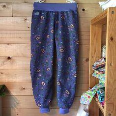 Och ett par till i full längd med muddar 😍 #pants #designauranah #auranah #purple #flowers