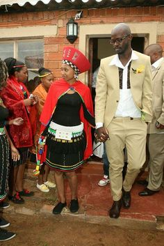 Mbali wore a traditional Zulu maiden outfit while her soon-to-be-hubby Black Coffee rocked a tan/beige suit. African Attire, African Wear, African Dress, African Clothes, South African Weddings, African American Weddings, African Traditional Dresses, Traditional Outfits, Coffee Menu