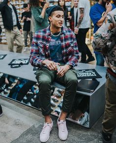 10 Best Dressed Men of the Week Dope Outfits For Guys, Casual Outfits, Men Casual, Nba Fashion, Streetwear Fashion, Looks Hip Hop, Kyle Kuzma, Junior Outfits, Guys And Girls