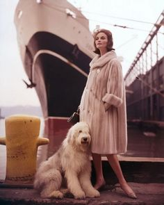 Virginia Thoren - model in Schiaparelli, new york harbor, Fur coat, Old English Sheepdog Vintage Fur, Mode Vintage, Vintage Glamour, Vintage Beauty, Vintage Bridal, Retro Vintage, 1960s Fashion, Fur Fashion, Look Fashion