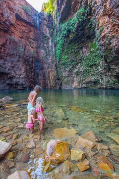 Emmas Gorge, Western Australia - put this on your Aussie bucket list. RePinned by : www.powercouplelife.com
