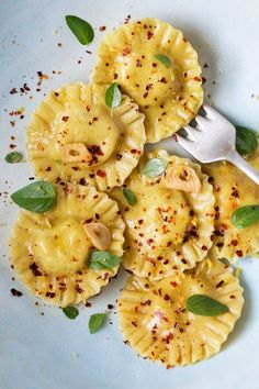 Vegan ravioli with pumpkin and ricotta