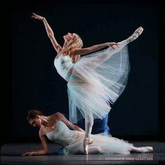 "Jessica Taegue  and Courtney Richardson, ""Serenade"" choreography by George Balanchine, The Royal Ballet of Flanders Koninklijk Ballet Vlaanderen"