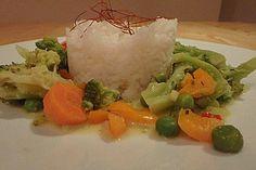 Brokkoli, Karotten und Pilze in Kokos Curry Sauce