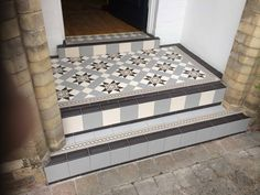 New House Entrance Floor Tiles 42 Ideas Front Door Steps, Front Door Porch, Porch Doors, House Front Door, House With Porch, House Entrance, Victorian Front Doors, Victorian Porch, Victorian Tiles