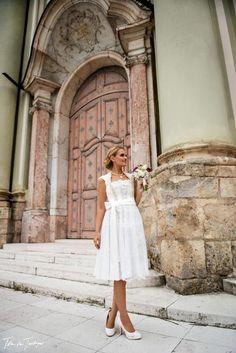 """In der """"DivineIdylle La Mariée""""- Tian van Tastique Hochzeitstracht 2016 Kollektion sticht besonders das Kleid Lanila heraus. Erfahre hier warum! www.tianvantastique.com  https://www.facebook.com/DivineIdylleTianvanTastique/  https://www.instagram.com/tianvantastique/"""
