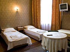 Apartament Miodowy 22(70m2, 4 piętro, max. 6+2 osoby). Apartament polecany szczególnie dla grup znajomych przybywających zaszaleć w Krakowie. http://krakowforfun.com/pl/4/apartamenty/miodowy-xxii