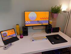 Computer Desk Setup, Gaming Room Setup, Pc Desk, Pc Setup, Computer Keyboard, Room Deco, Bedroom Setup, Video Game Rooms, Home Office Setup