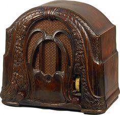 """Crosley Model 58 """"The Buddy Boy"""" 2-Dial Wood Radio : Lot 675"""
