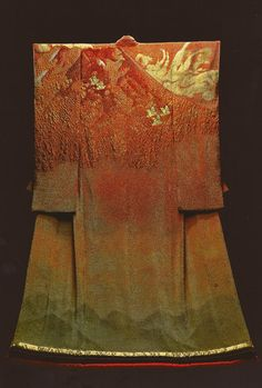 Burning Fuji )by the Late Japanese textile artist Itchiku form the exhibition,Kimono as Art: The Landscapes of Itchiku Kubota, . Symphony of Light and Color 49 Traditional Japanese Kimono, Traditional Dresses, Kimono Design, Textile Design, Japanese Outfits, Japanese Fashion, Modern Kimono, Japanese Textiles, Kimono Fabric