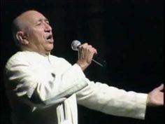 """Simón Díaz en el Teatro Teresa Carreño • """"Caballo Viejo"""" - Simón Díaz celebró sus 70 años de vida y 50 años de trayectoria con el concierto «Canta 50, Cuenta 70» en el Teatro Teresa Carreño de Caracas. En el 2010."""
