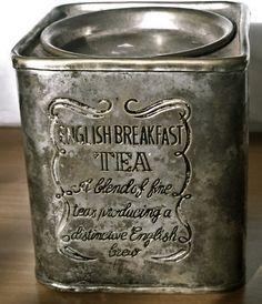 [beautiful vintage tea tin] These on shelves in my shabby chic/tea party kitchen! Vintage Tee, English Breakfast Tea, Sweet Home, Tea Tins, Tea Canisters, Cuppa Tea, Tea Caddy, My Cup Of Tea, Tea Parties