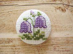 Здесь живут мои вышитые пуговки.   Размер 2-2,5 см, цена одной пуговки 20-25 грн.   Также пуговки можно купить  в магазинчике у Оли .   Мо... Cute Embroidery, Embroidery Patches, Cross Stitch Embroidery, Embroidery Patterns, Cross Stitch Patterns, Small Cross Stitch, Cute Cross Stitch, Cute Patches, Beaded Cross